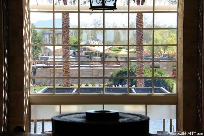 lobby-jw-desert-ridge