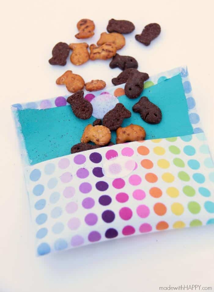 No Sew Reusable Snack Bags | Reusable Kids Lunch Containers | www.madewithHAPPY.com