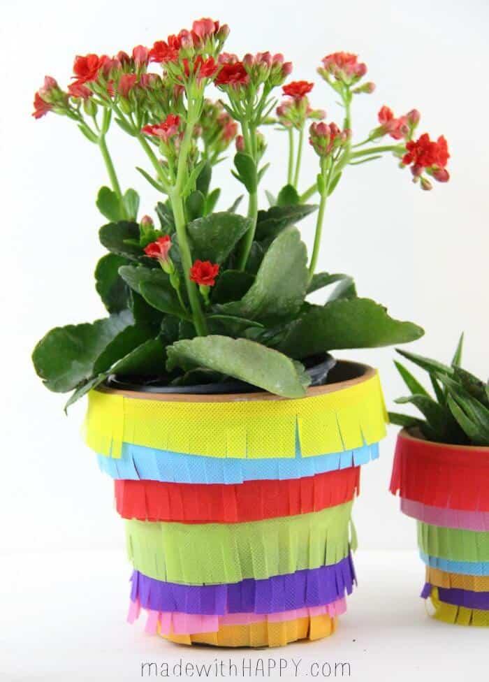 DIY Pinata Planter | Cinco De Mayo Decor DIY | Fiesta Decoration | www.madewithHAPPY.com