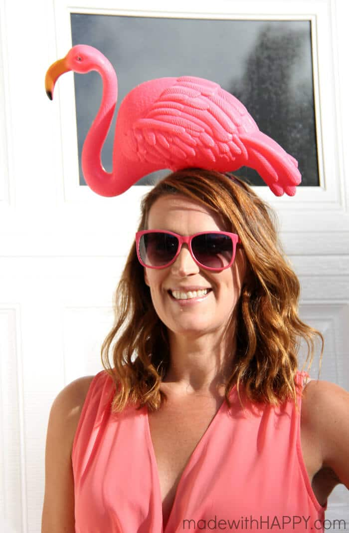 DIY Pink Flamingo Costume | Flamingo Costume | Homemade costumes Pink Flamingo | www.madewithhappy.com