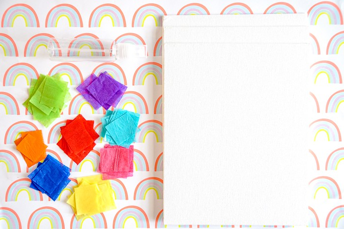 Simple rainbow crafts for kindergartners, rainbow crafts for preschoolers or even lower grade elementary school kids. St. Patrick's Day crafts for kids.