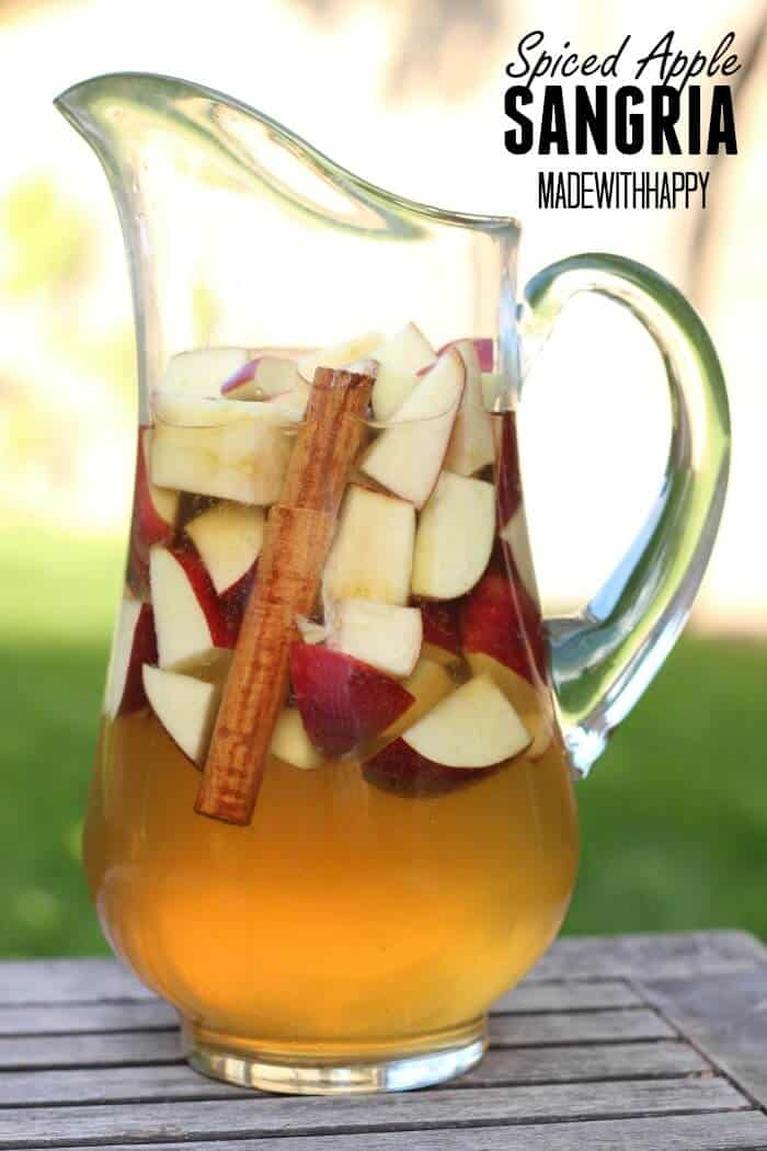Spiced Apple Sangria | 20+ Fall Cocktail Recipes | Holiday Entertaining with Fall Recipes | Pumpkin, apple and cinnamon cocktails | www.madewithHAPPY.com