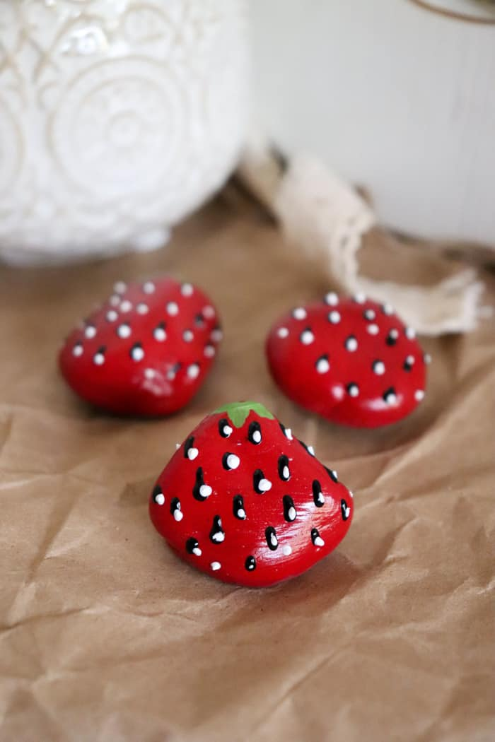 how to paint strawberry rocks