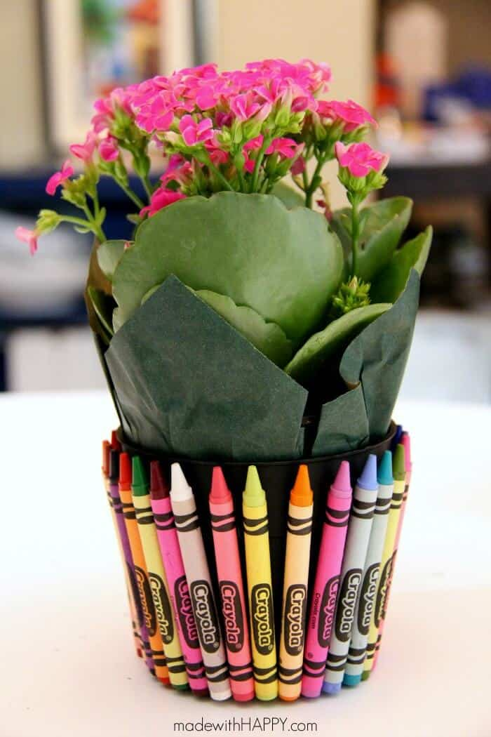 Teachers Gift | Crayon Flower Pot | Back to School | www.madewithHAPPY.com