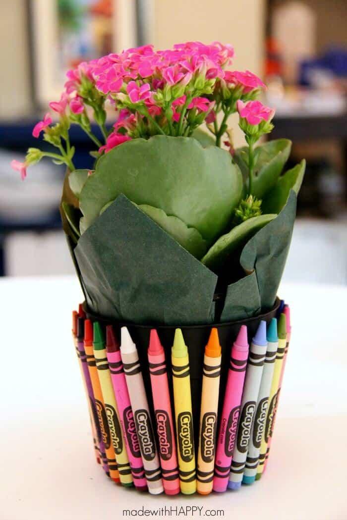 Teachers Gift | Crayon Flower Pot | Back to School | www.madewithHAPPY.com