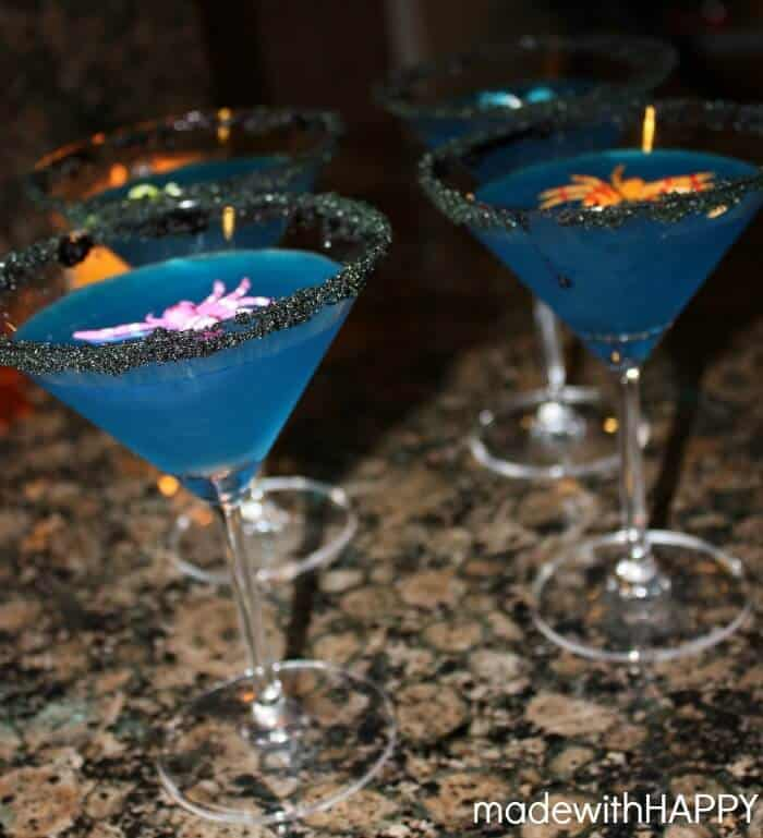 Halloween Cocktails | Witches Brew Cocktail | Blue Cocktails Great for Halloween Parties and Halloween Celebrations | www.madewithhappy.com